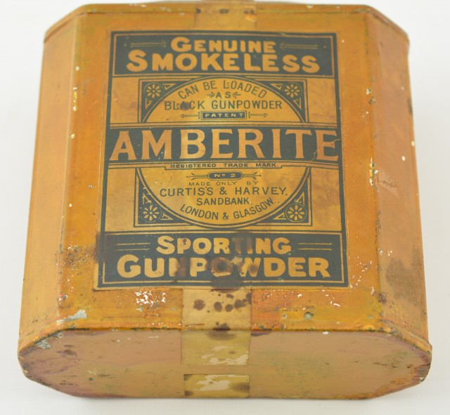 Vintage Curtiss and Harvey English Amberite Powder Tin