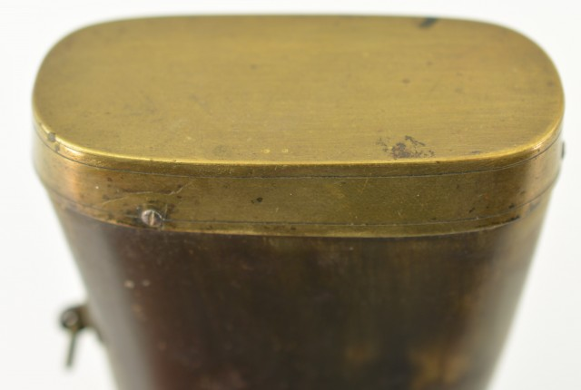 Flattened Horn Powder Flask