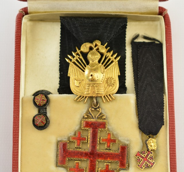 Equestrian Order of the Holy Sepulchre Medal Set (Knight Rank)