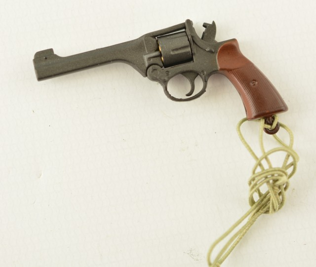 1/6 Scale Model WWII Enfield No.2 Articulating Revolver Holster & Lany
